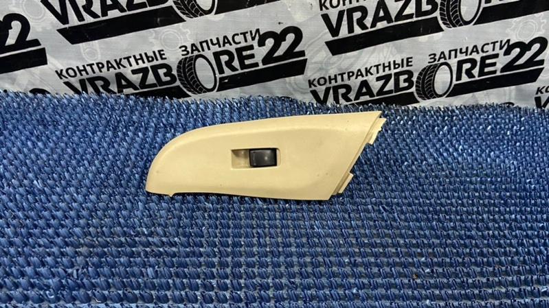 Блок управления стеклоподъемниками Nissan Bluebird Sylphy TG10-102458 QR20DD 2001 передний левый