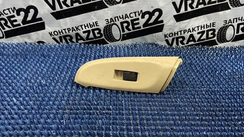 Блок управления стеклоподъемниками Nissan Bluebird Sylphy TG10-102458 QR20DD 2001 задний левый