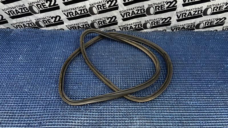 Уплотнитель багажника Toyota Premio AZT240-0016443 1AZ-FSE 2003