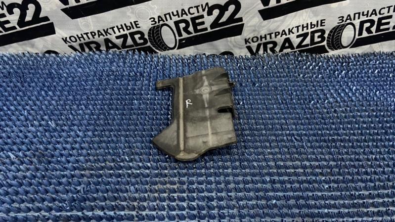 Защита радиатора Toyota Premio AZT240-0016443 1AZ-FSE 2003 правая