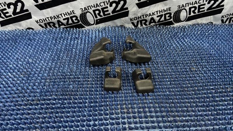 Крышка петли сиденья Toyota Premio AZT240-0016443 1AZ-FSE 2003