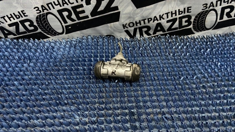 Тормозной цилиндр Toyota Premio AZT240-0016443 1AZ-FSE 2003 правый