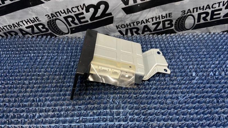 Блок управления парктроником Toyota Allion ZZT245-0015995 1ZZ-FE 2003