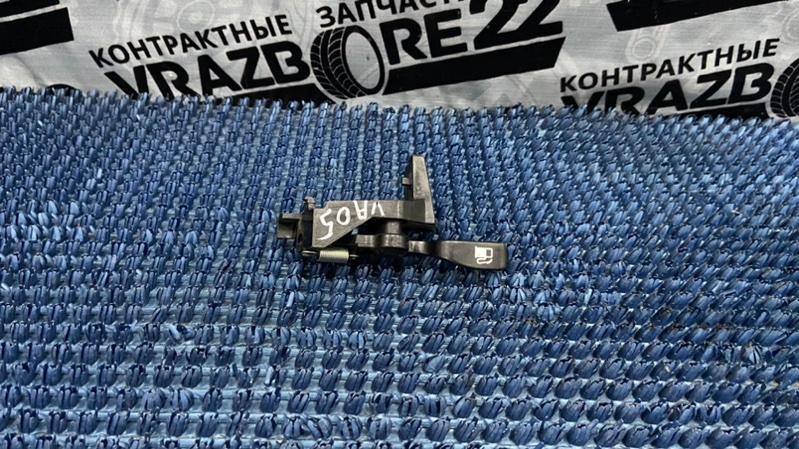 Ручка открывания бензобака Toyota Vista Ardeo ZZV50-0028389 1ZZ-FE 2001