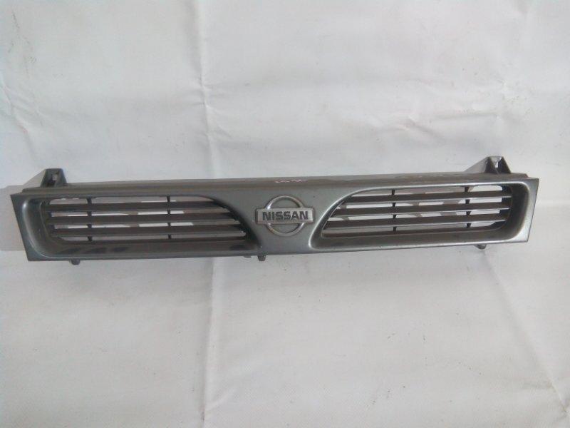 Решетка радиатора Nissan Pulsar FN14 GA15DE передняя