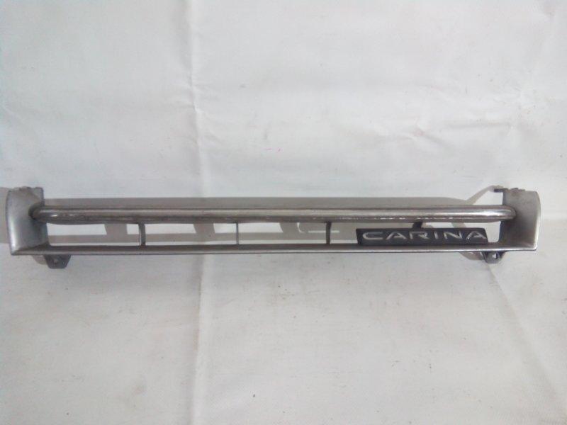 Решетка радиатора Toyota Carina AT170 передняя