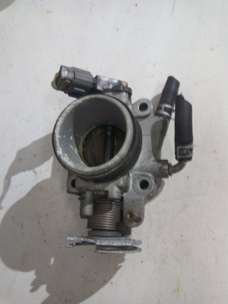 Дроссельная заслонка Mazda Demio DW3W B3E