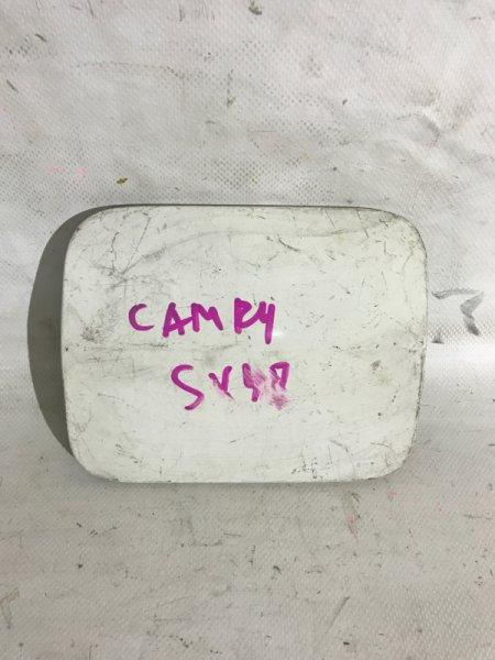 Лючок бензобака Toyota Camry SV40 3SFE