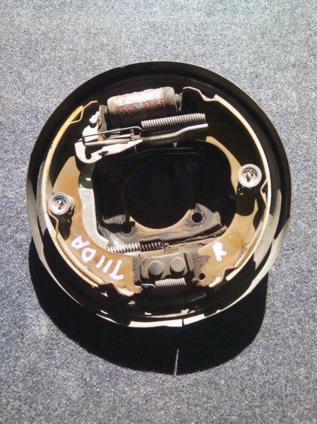 Тормозные колодки Nissan Tiida C11 HR15DE заднее правое