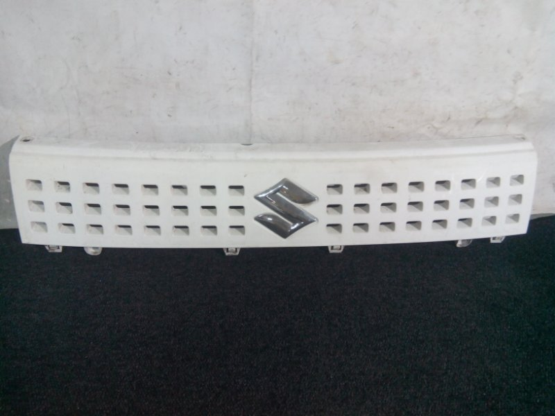 Решетка радиатора Suzuki Alto HA24S K6A передняя