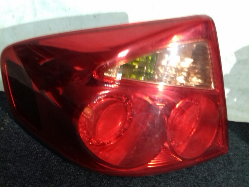 Стоп-сигнал Nissan Skyline NV35 VQ25DD задний левый