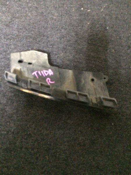 Крепление фары Nissan Tiida C11 HR15DE переднее правое