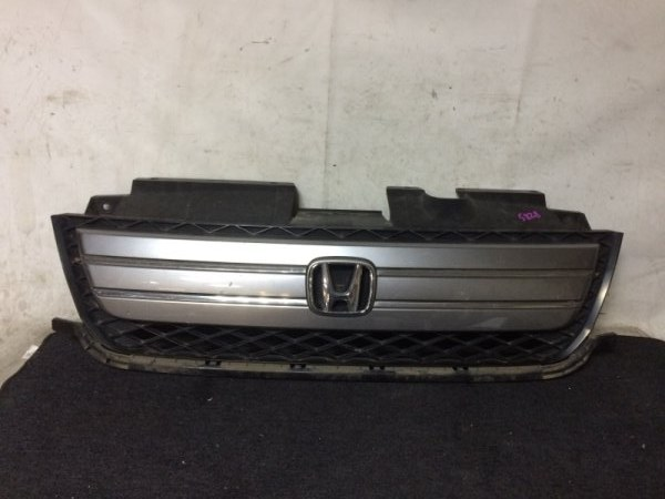 Решетка радиатора Honda Mobilio Spike GK1 L15A передняя