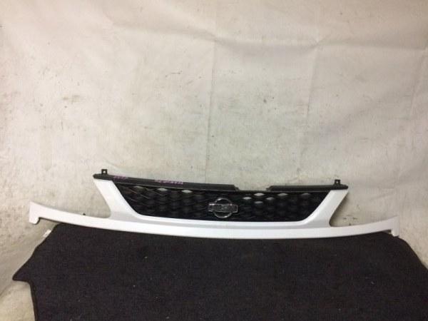 Решетка радиатора Nissan Serena TC24 SR20DE передняя