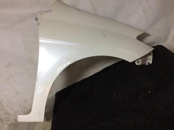 Крыло Honda Edix BE1 D17A переднее правое