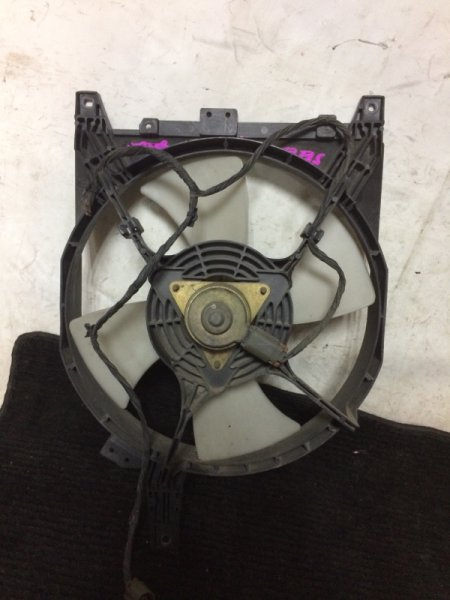 Вентилятор охлаждения радиатора Nissan Serena KBNC23 SR20DE правый