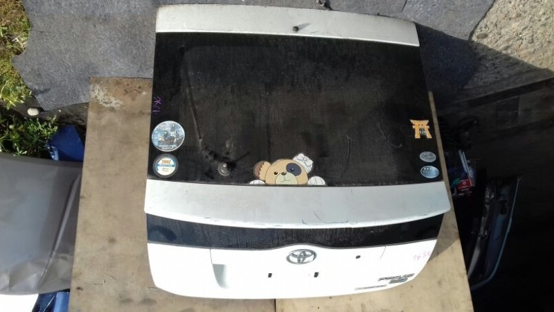 Дверь багажника Toyota Prius NHW20 1NZFXE задняя