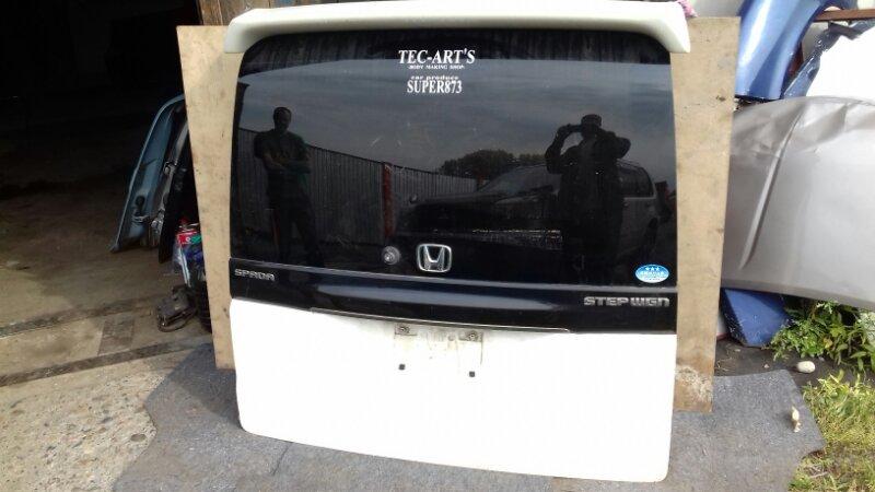 Дверь багажника Honda Stepwgn RF5 K20A задняя