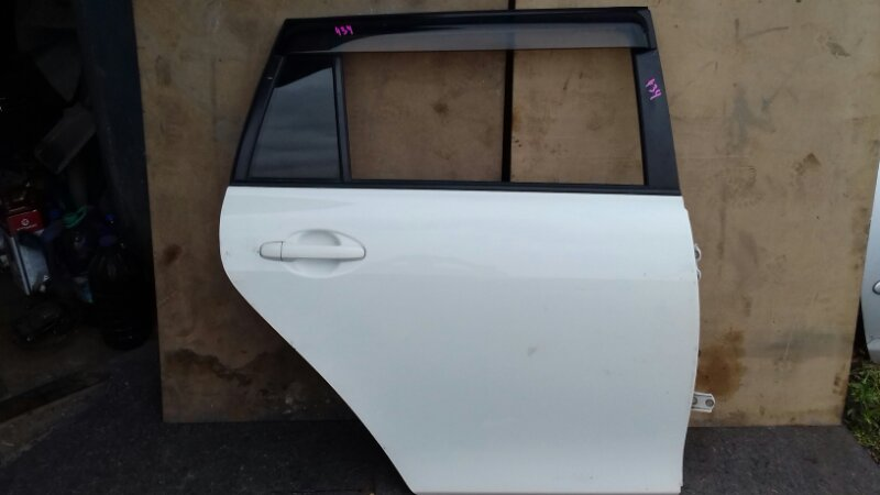 Дверь боковая Toyota Corolla Fielder NZE141 1NZFE задняя правая
