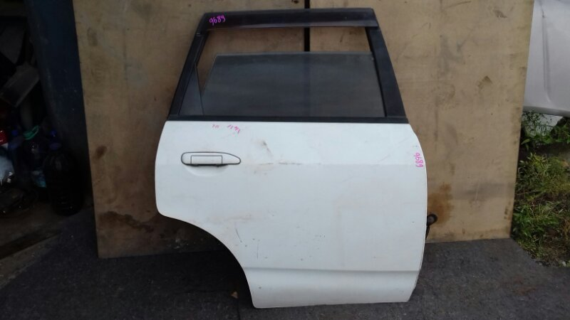 Дверь боковая Nissan Ad VFY11 QG13DE задняя правая