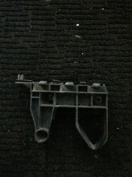 Крепление бампера Honda Fit GE6 L13A переднее правое