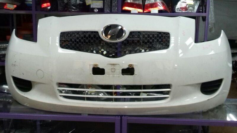 Бампер Toyota Vitz SCP90 1KRFE передний