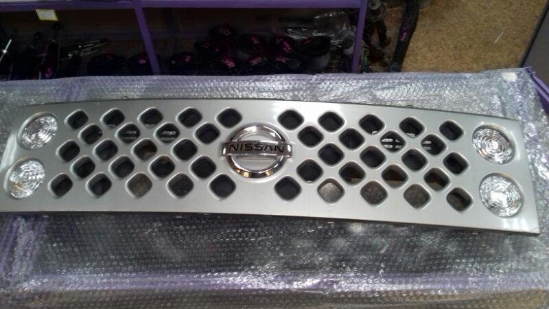 Решетка радиатора Nissan Cube YZ11 CR12DE передняя