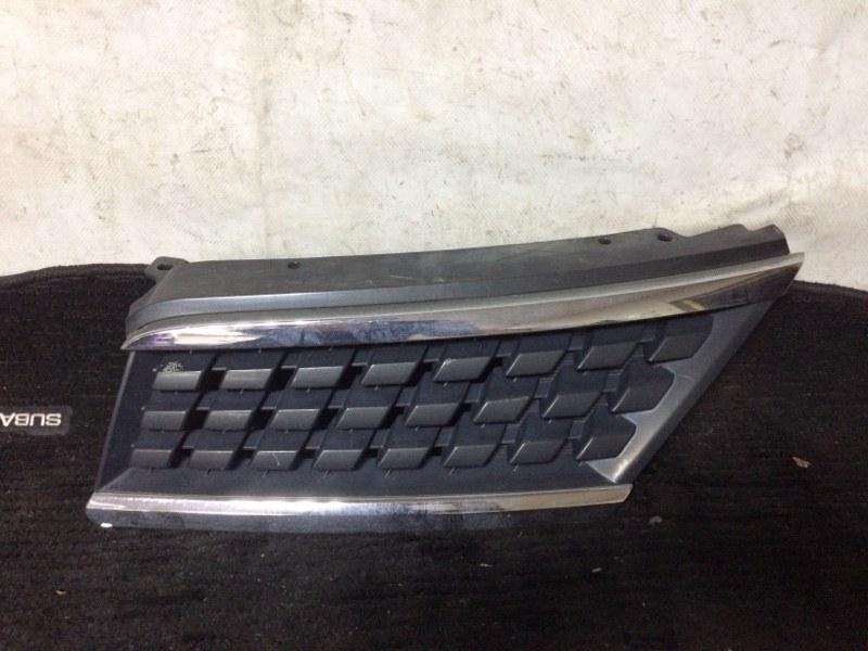 Решетка радиатора Nissan Tiida C11 HR15DE передняя левая