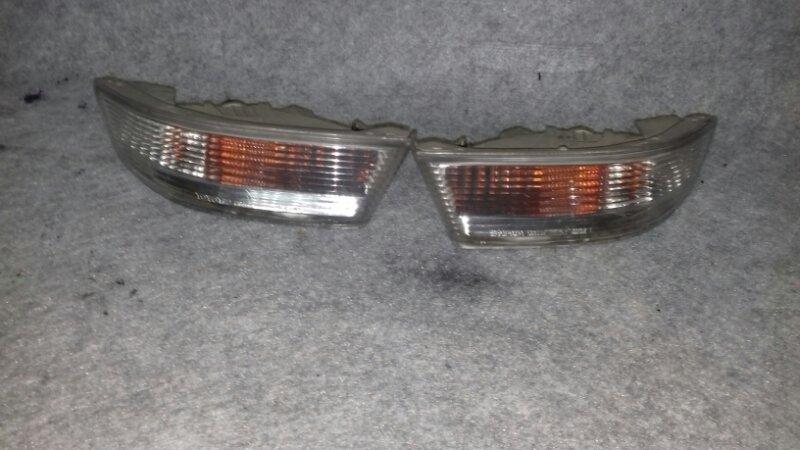 Повторитель поворота в бампер Toyota Mark Ii GX100 1GFE передний