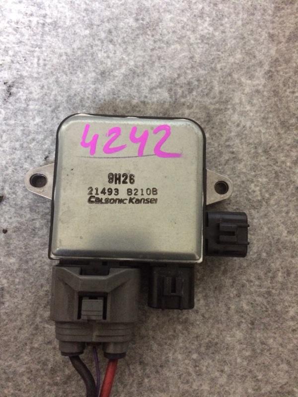 Блок управления вентилятором охлаждения Nissan Elgrand ME51 VQ25DE