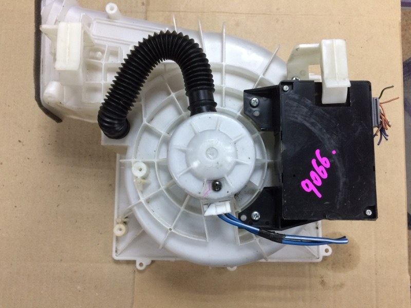 Мотор печки Nissan Sunny FB15 QG15DE передний
