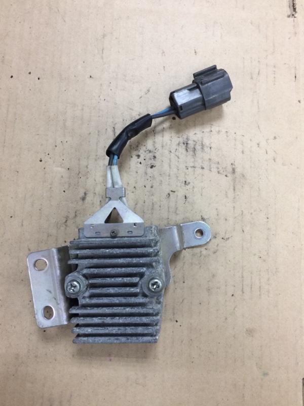 Блок управления вентилятором охлаждения Nissan Bluebird Sylphy KG11 MR18DE