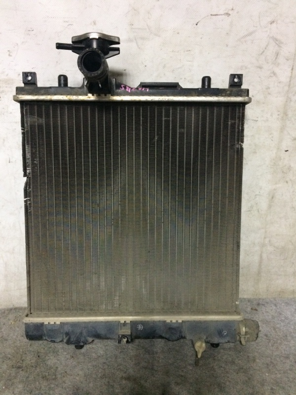 Радиатор охлаждения двигателя Suzuki Alto HA24S K6A