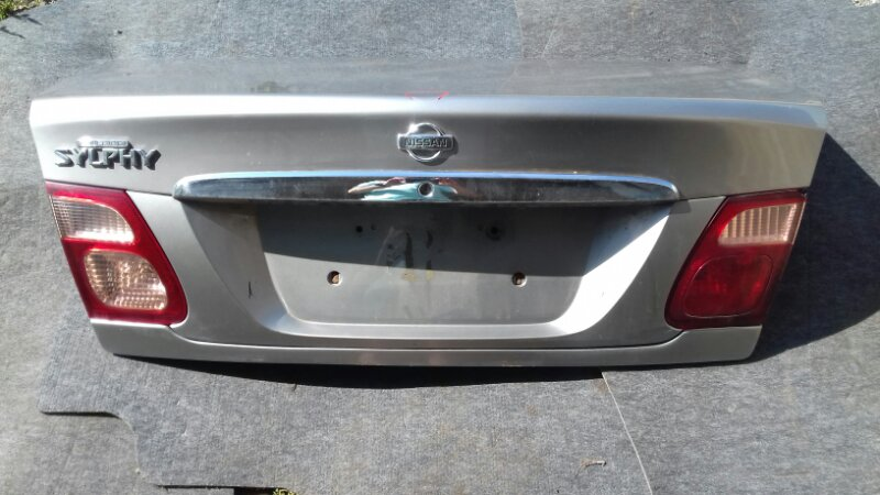 Крышка багажника Nissan Bluebird Sylphy FG10 QG18DE задняя