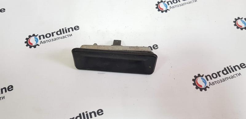 Микровыключатель замка багажника Skoda Oktavia A5 2008 Лифтбэк 1.4 BUD 1Z0827574C Б/У