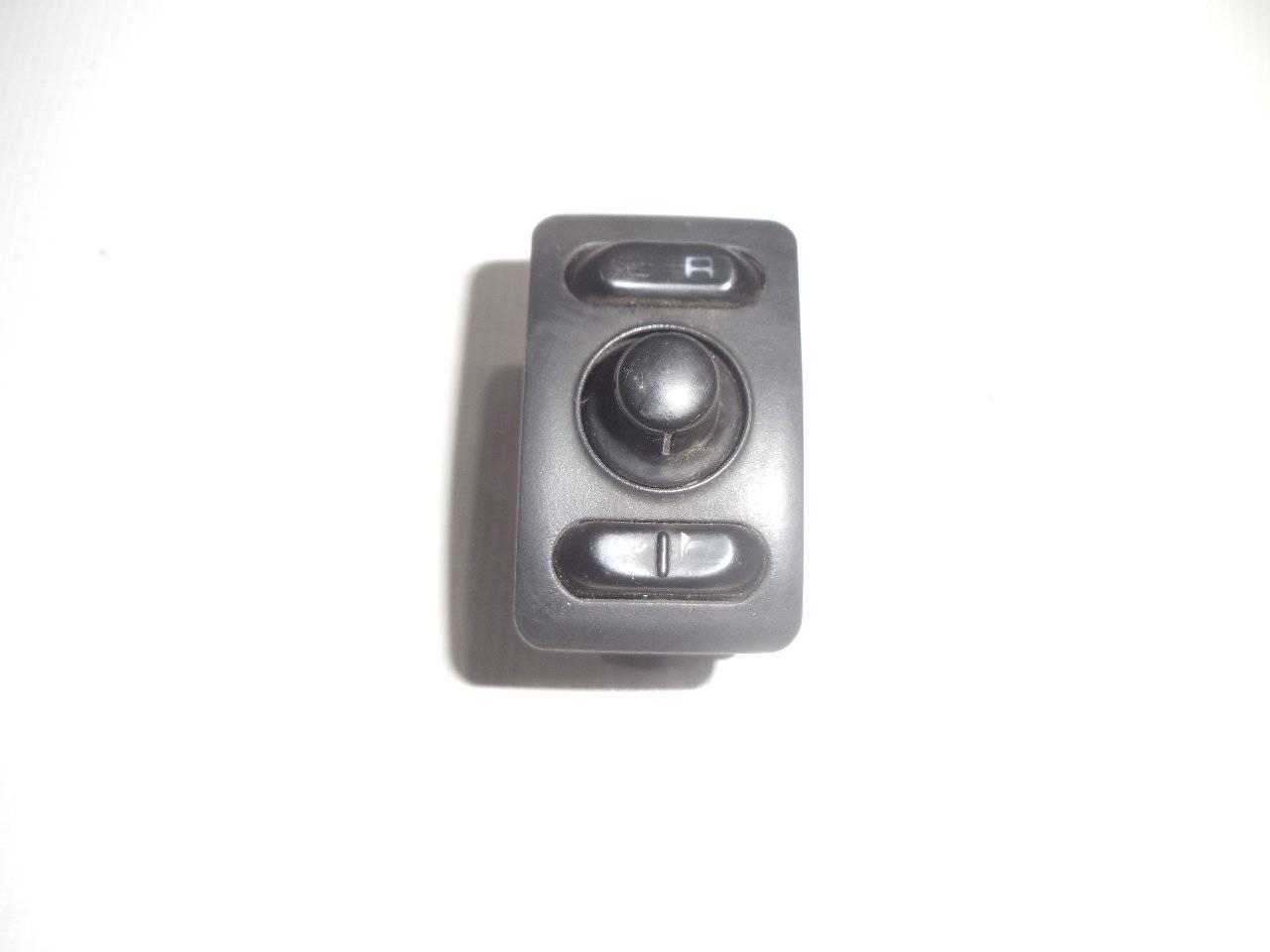Блок управления зеркалами Nissan Bluebird U13 GA16DS 1991
