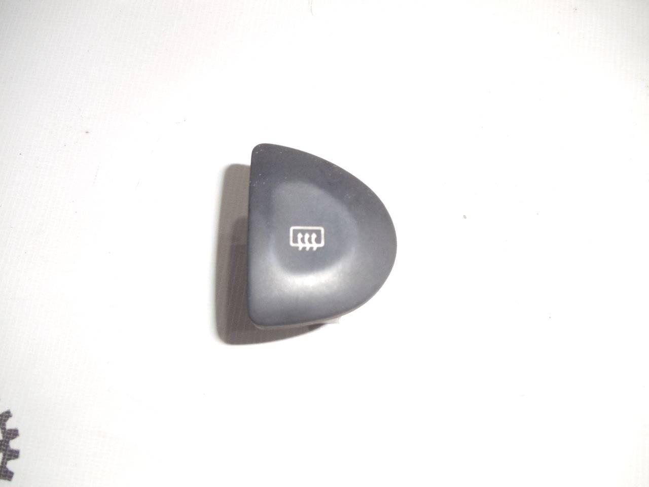 Кнопка включения обогрева стекла Nissan Bluebird U13 GA16DS 1991