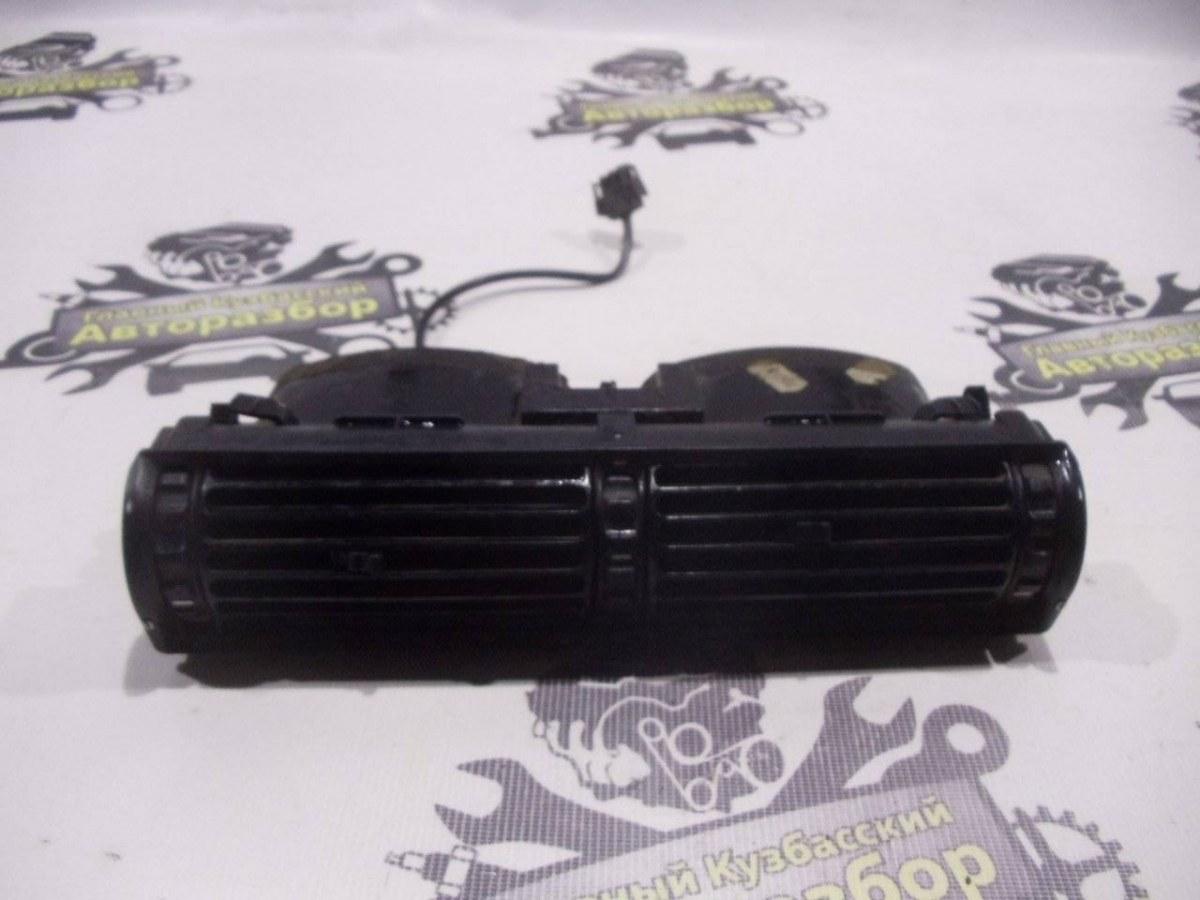 Решетка вентиляционная Bmw 7-Series E32 M20B25 1986
