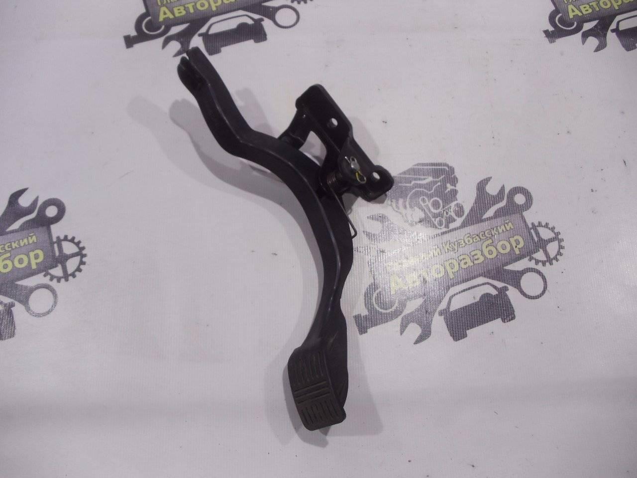 Педаль газа Hyundai Accent LC2 G4ECG 2000
