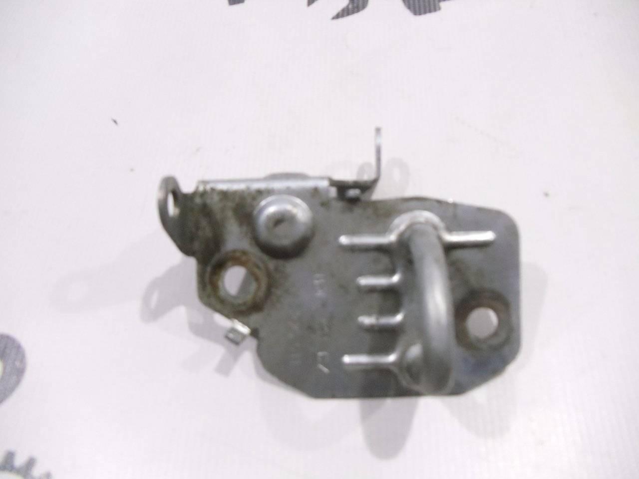 Ответная часть замка двери багажника Skoda Octavia (A4 1U-) 1U2 BCA 2000