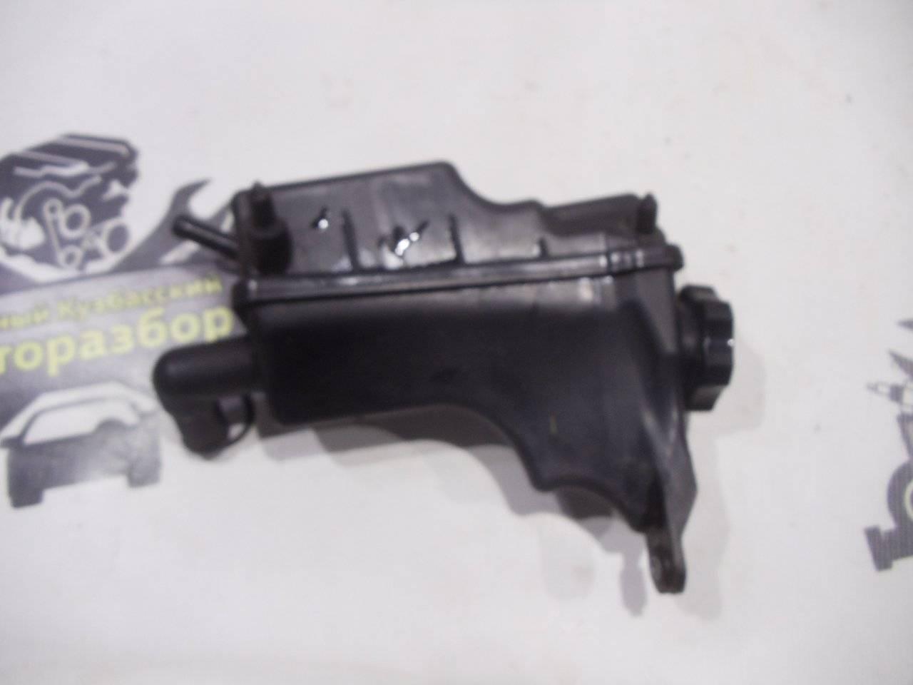 Бачок гидроусилителя Chevrolet Cruze J300 F16D3 2009