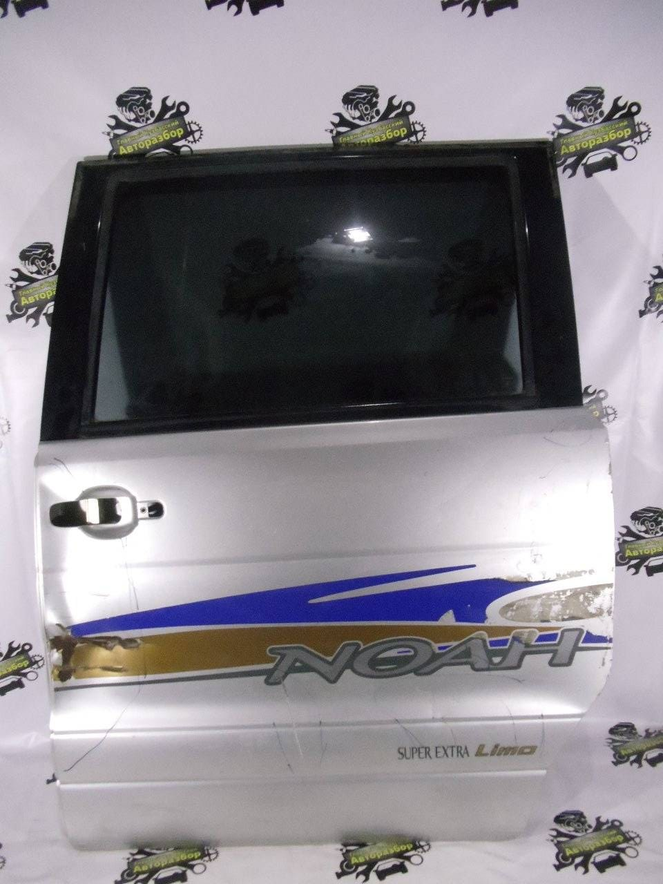 Дверь Toyota Noah TA-AZR60G 1AZ-FSE 2001 задняя левая