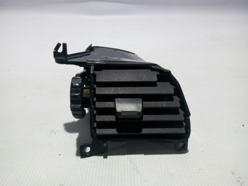Решетка вентиляционная Nissan Skyline ER33 RB25DE 1996 правая