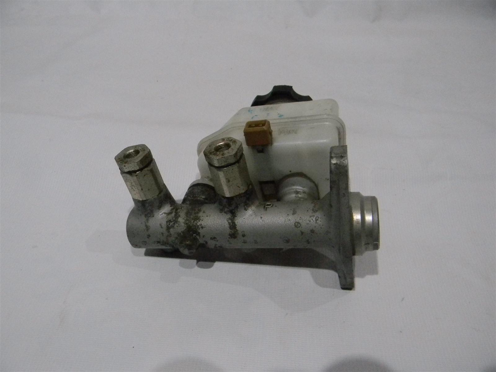 Главный тормозной цилиндр Hyundai Accent LC2 G4EC-G 2000