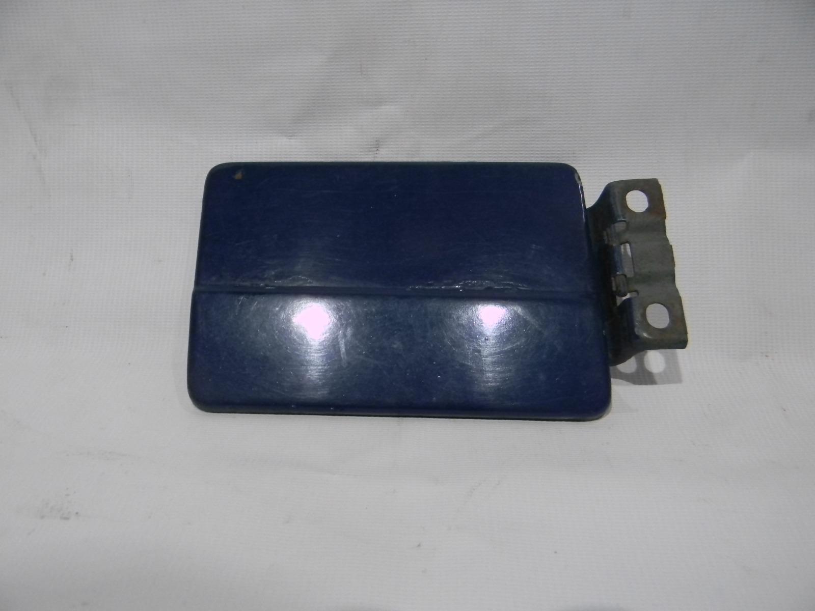 Лючок топливного бака Лада 2105 2105 BAZ2105 2003
