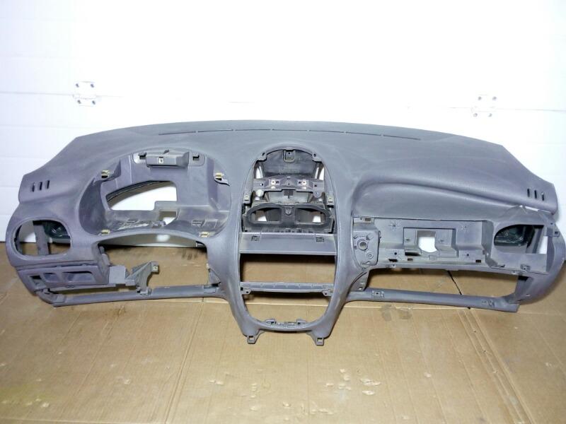 Панель приборов (торпеда) Peugeot 206 2A/C TU1JP 2005