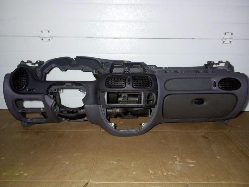 Панель приборов (торпеда) Renault Megane LA K4M 1999 нижний
