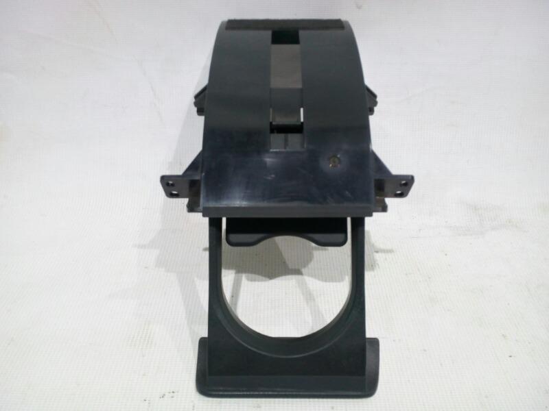 Подстаканник Honda Civic EU3 D17A 2000 передний правый
