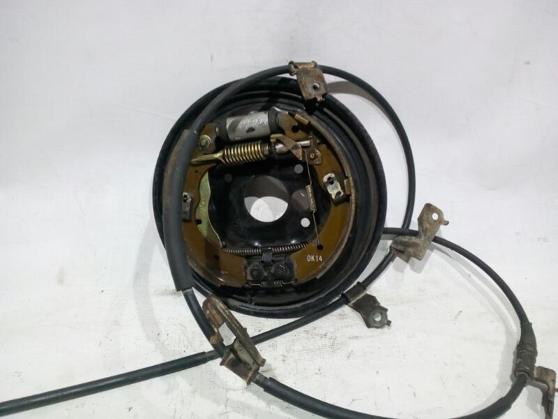 Щиток тормозного механизма Honda Civic EU3 D17A 2000 задний правый
