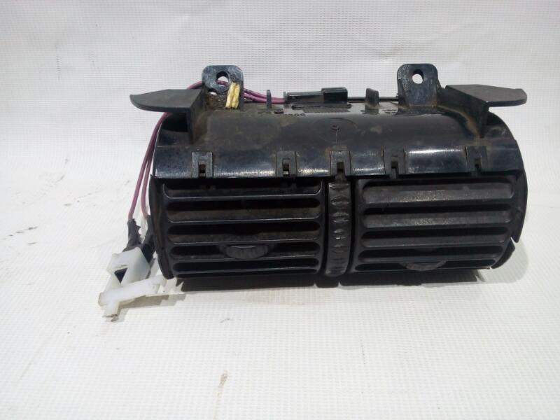 Решетка вентиляционная Opel Omega 26 X25XE 1994 задняя